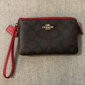 Authentic Coach Small Wristlet In Coach print